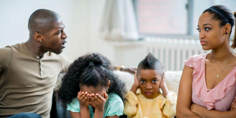 pais e filhos estressantes