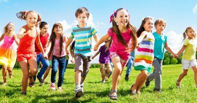 crianças felizes psiqueasy